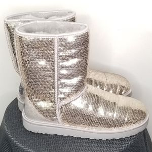 EUC Uggs gold sequined boots size 10